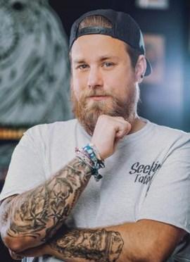 Tattoo Kiel Mitarbeiter Finn auch als Finster bekannt