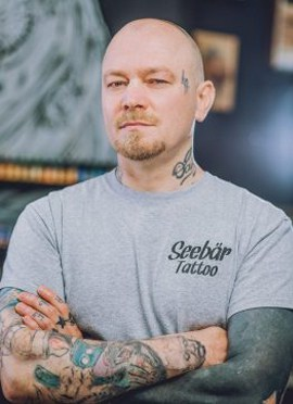 Oleg der Tattoomeister aus dem Tattoo Studio in Kiel