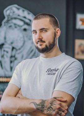 Joshi ist Tattooexperte für ausgefallene Tattoovorlagen und Ideen.